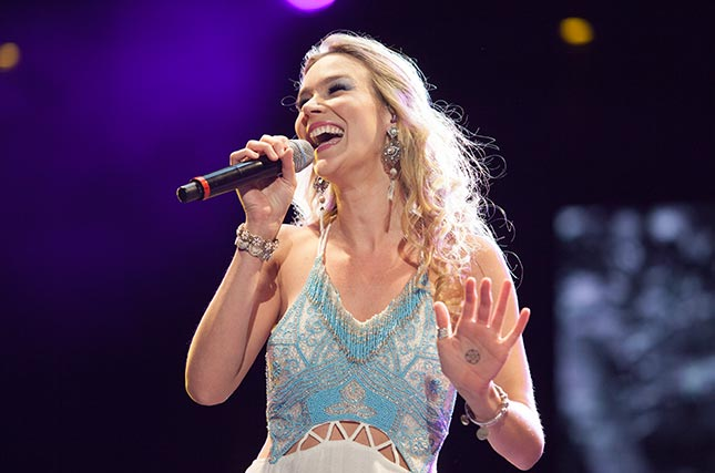 Holiday in the Maldives and see Joss Stone for free