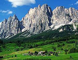 Full Day Cortina and Dolomites Tour