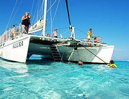 Racing Catamaran Snorkel & Stingray City
