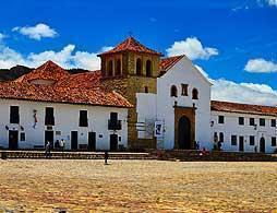 Historic Walking tour Villa De Lleyva