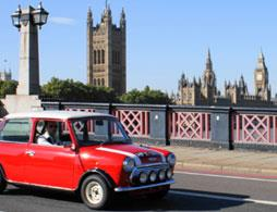 Panoramic tour of London in a classic Mini Cooper